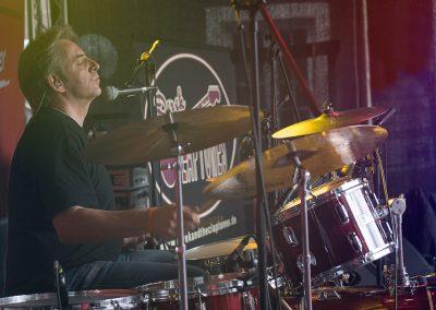 Derek and the Claptones--5